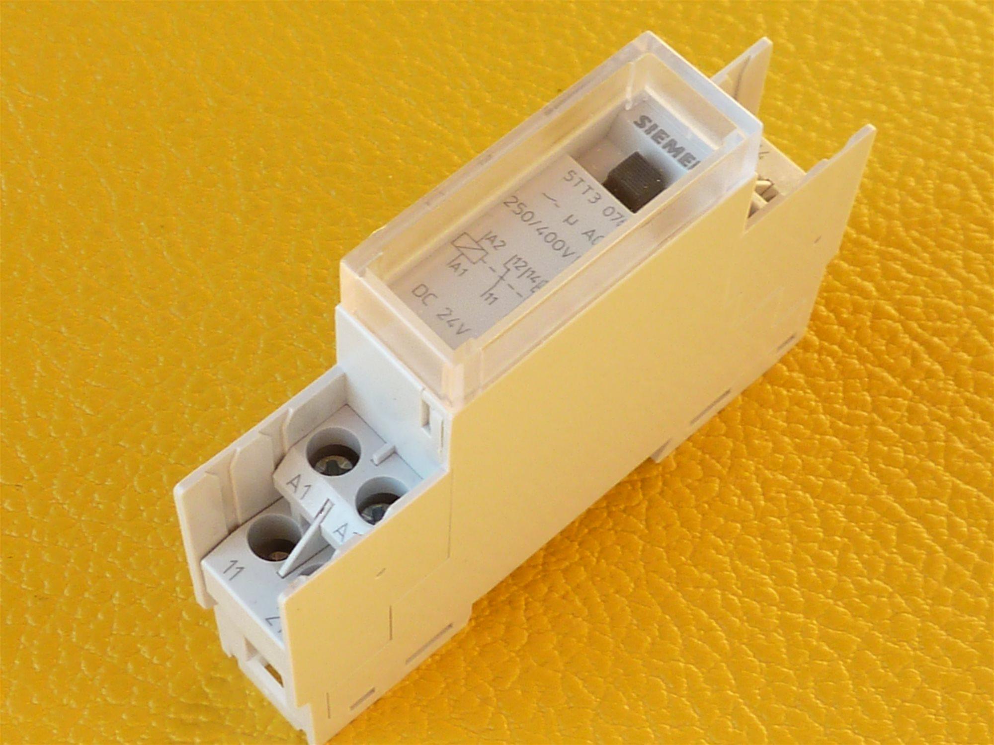 Siemens-5TT3-076-Schaltrelais-24VDC-2W-2CO-16A